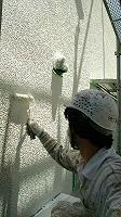 5-30外壁ダイナミックフィラー中塗り塗布 (1)