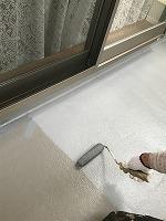 5-3南面ベランダ床(防水トップコート)上塗り塗装1回目
