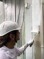 8-26外壁中塗りソフトサーフ塗布 (4)