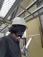 7-2外壁シール工事のシール充填作業