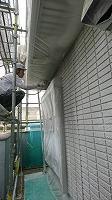 5-31壁面(ニッペパーフェクトトップ)上塗り吹き付け塗装1回目1