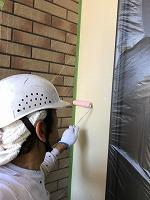 6-5外壁エポキシ系シーラー下塗り塗布1