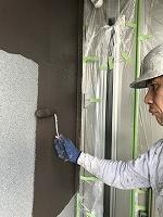 9-9、1階部外壁ダイヤカレイド中塗り1回目塗装(1)