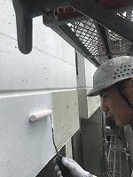 8-11外壁中塗りダイナミックフィラー塗布 (3)