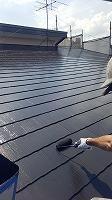 6-6屋根上塗りシリコンベスト塗布2回目 (2)
