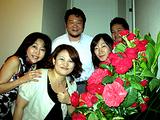 バラの花とともに