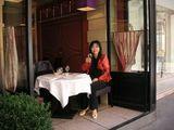 パリ市内のレストランにて