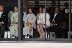 安倍昭恵氏が即位の礼で着用したドレス ネットでは「場違い」の声も