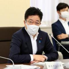 マスクや消毒液、転売OKに 厚労相「供給量が増加」  新型コロナウイルス