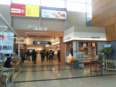 P20181122国際線ターミナル通路