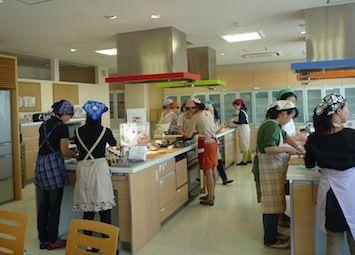 0926#3家庭教育_3料理中.jpg