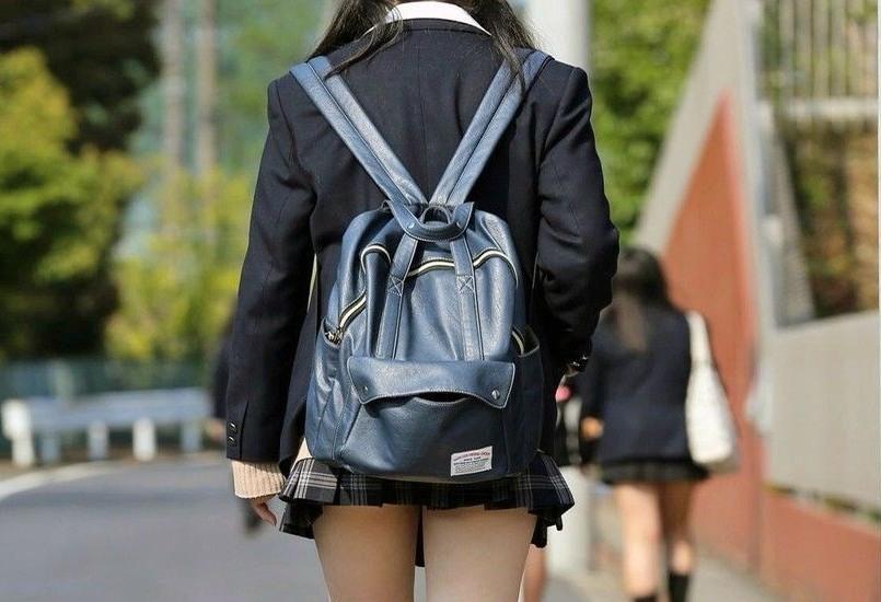 温泉旅行でのロリ小学生がチ○ポだけで潮○きする敏感の女がエ□過ぎて抜ける画像