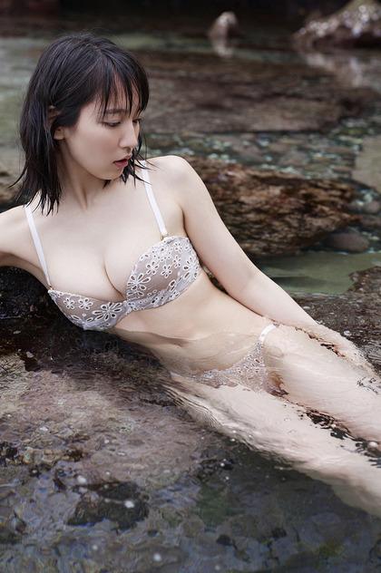 yoshioka-riho-1005-3