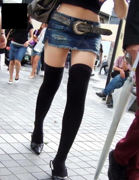 ミニスカニーソ_エロ