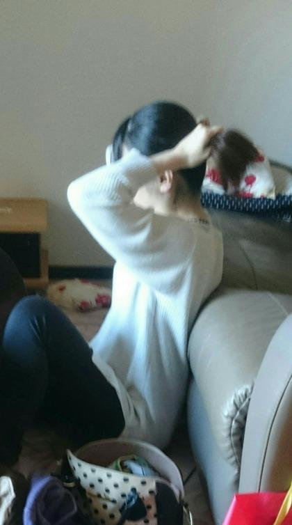 姉の室内盗撮エロ画像5