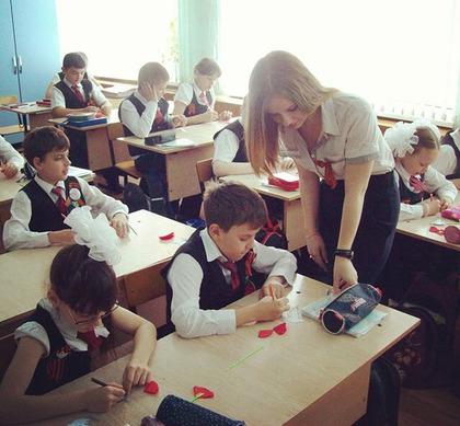 画像☆このロシアの女教師エロすぎwこんなん勉強にならんわwwwwwww 芸能-JAM-