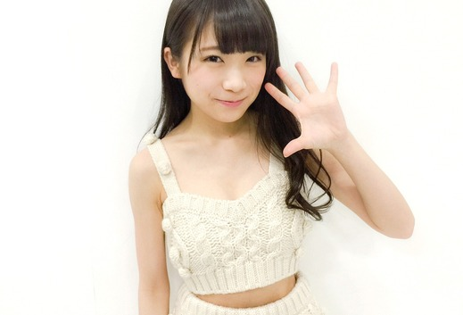 akimoto_manatsu_1215_top