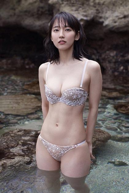吉岡里帆_ero1