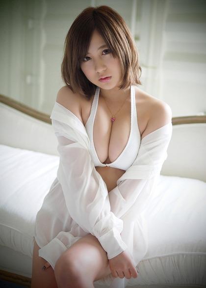 小野恵令奈 おっぱい