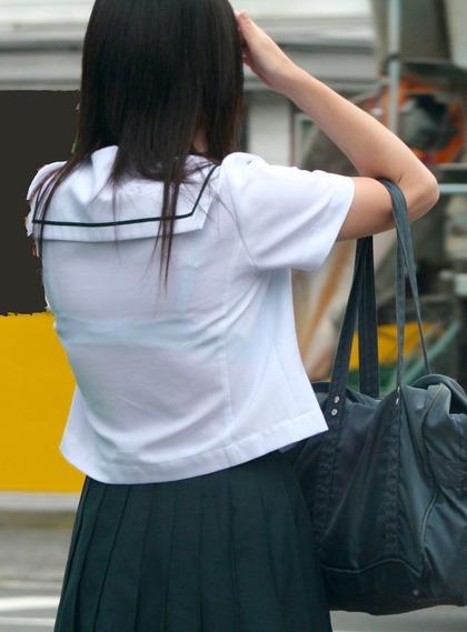 透け制服中学生エロ画像1