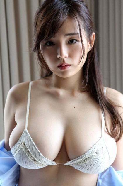 篠崎愛_着衣巨乳_2