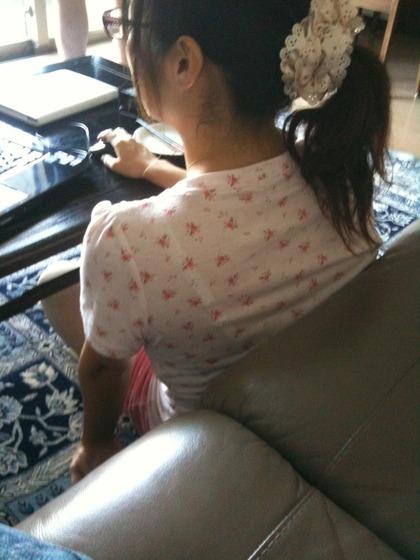 姉の室内盗撮エロ画像3