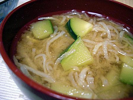 ズッキーニの味噌汁