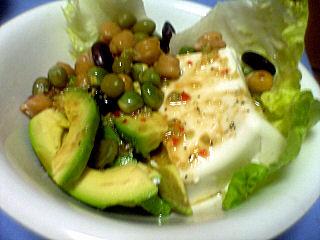 アボガドと豆のサラダ