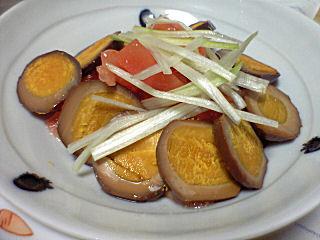 燻製卵とトマトのサラダ