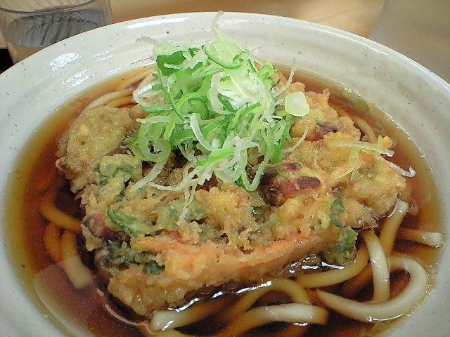 福岡県民「東京のうどんはつゆが濃い、福岡はそもそも醤油じゃなくてダシなんですよ」