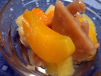 白いんげんアイスと果物缶のデザート