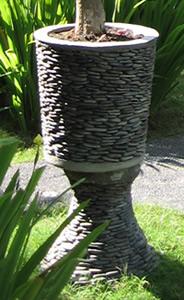 バリ島で最近流行の植木鉢