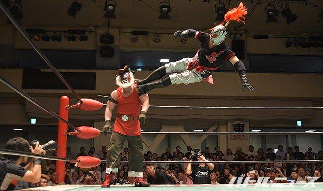カリスティコ(初代ミスティコ)がみちのくのリングに凱旋!4年前の不祥事で活動を休止していたSUGIが復活!