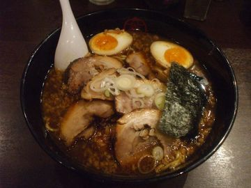 竈〜くんたまチャーシューメン(とんこつしょうゆ味)