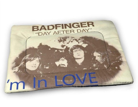 KINN - Badfinger Day After Day Pet Mat a