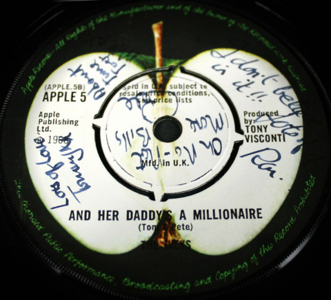 Iveys fully signed single Apple 5