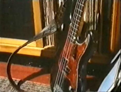 Tom bass