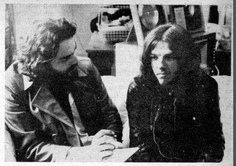 Pelo #007 (1970) mike