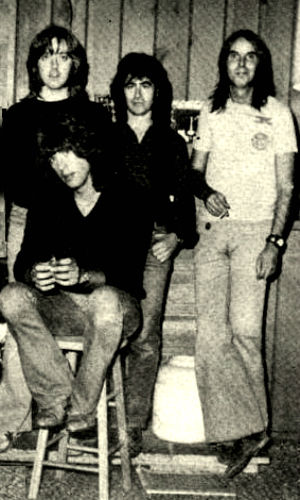 Joey Molland, Joe Tansin, Tom Evans, Nicky Hopkins 1979