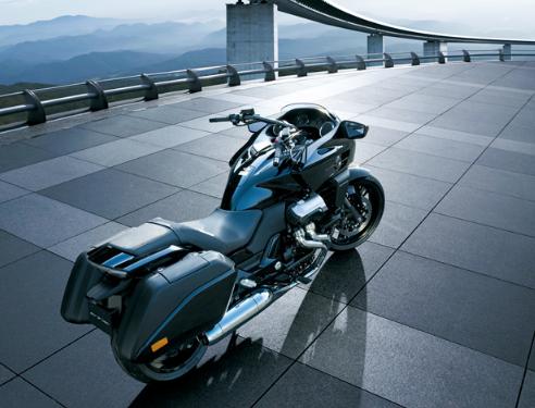 1000cc以上のバイクに乗ってるキチ○イwwwwwwwww