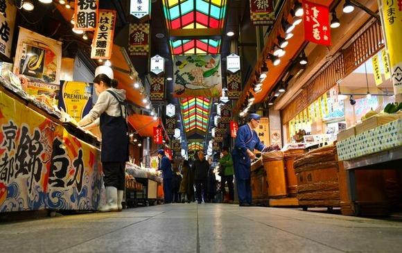 あんなに混雑していたのに...「京の台所」錦市場も閑散、新型肺炎で「売り上げ3割以下」と店主悲鳴