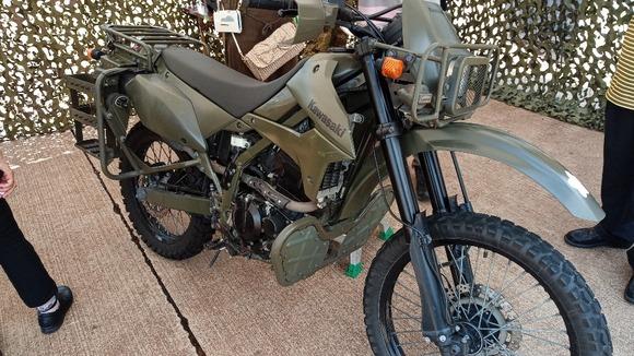 バイクの色って何色が正解なんだ?