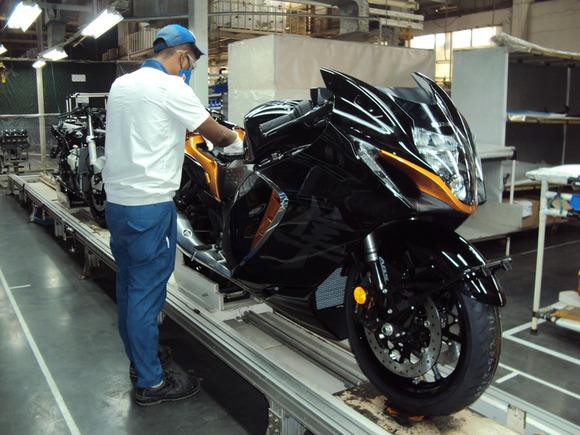 スズキ、新型「Hayabusa(ハヤブサ)」をインドで組み立てて発売