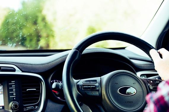 あおり運転関連の摘発が倍増、高速道路で上半期6000件
