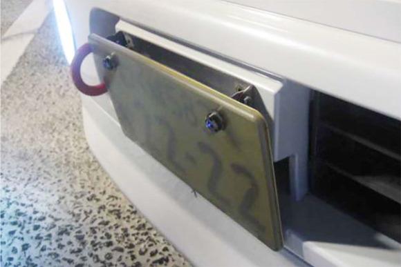 10月1日からバイクを含む自動車ナンバープレートの取り付けに新基準適用