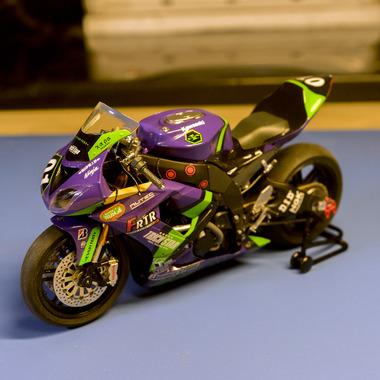 エヴァンゲリオンのバイクのプラモ完成したから見て欲しい