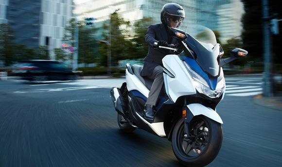250cc以上の排気量のスクーターのことを略称でなんと呼ぶ?