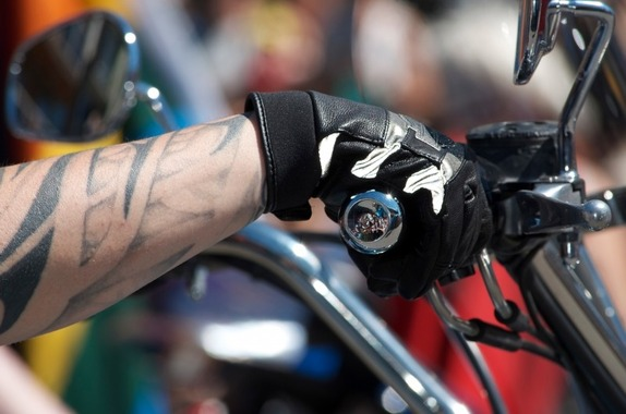 motorcycling-hand-gas-motorbike-motorcycle-glove