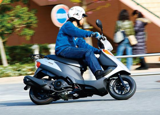 最近の若者「大型バイクではなく、原付に乗れぇ」←こういう風潮