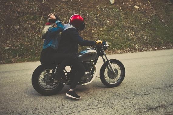 彼女が「バイクの後ろに乗りたい!」って言ったらバイク乗る?